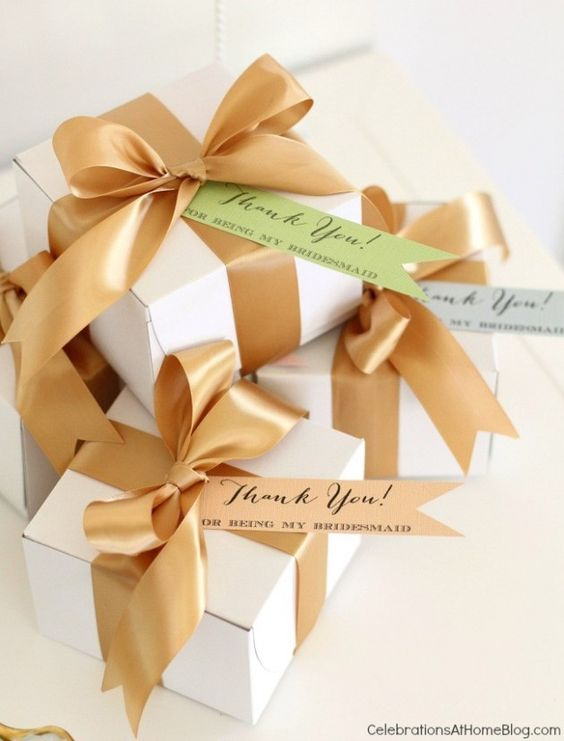 bridesmaid luncheon - bridesmaids gift boxes