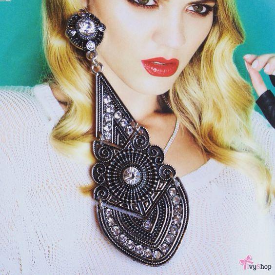 Como não se apaixonar? Lindo lindo lindo! 👏  Disponível em: www.ivyshop.com.br   #brinco #brincos #maxibrinco #bijuteria  #moda #tendência #estilo #look #strass #bijus #fashion #style #moda #maxi #feminices #meninas