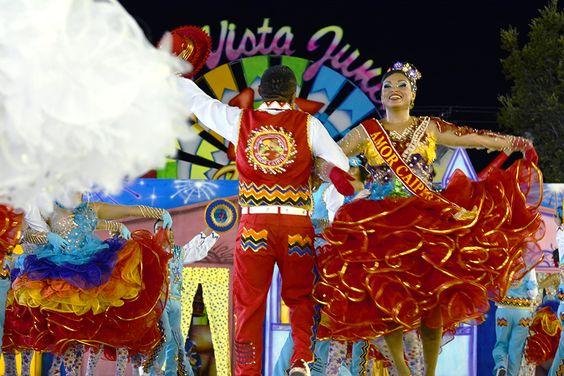 Quadrilhas do grupo especial se apresentam no Boa Vista Junina 2015 #pmbv #prefeituraboavista #roraima #boavista
