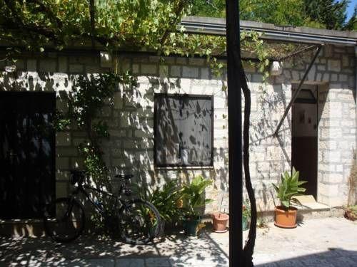 Apartment MiaVita Bol Set 100 metres from Bol Promenade in Bol - free bol