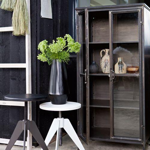 biblioth que en m tal noir vieilli 2 portes 3 tag res. Black Bedroom Furniture Sets. Home Design Ideas