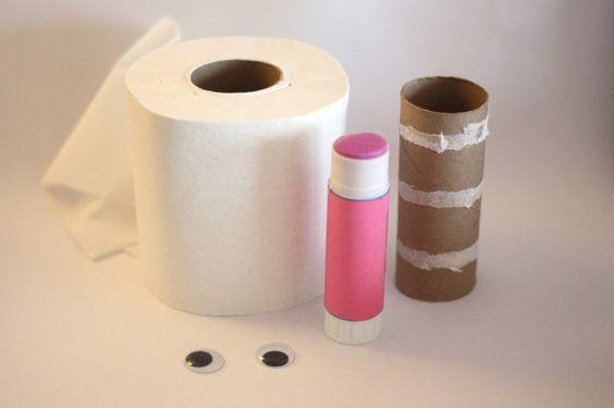 Momia de papel higiénico: Junta lo que necesitas