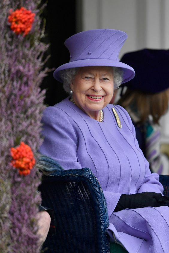 Queen Elizabeth II Photos Photos - The 2016 Braemar Highland Gathering - Zimbio