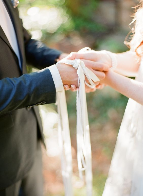 Irish Wedding Traditions.10 Ways To Incorporate Irish Wedding Traditions On Your Big Day