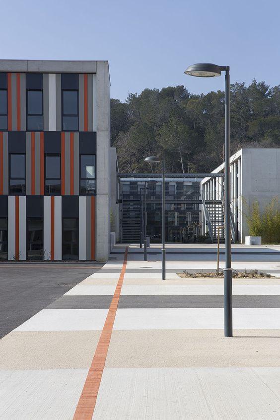Galeria de Escola de Segundo Grau Lycée Albert Einstein / NBJ Architectes + François Privat - 9