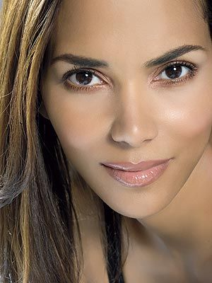 Google Image Result for http://img2.timeinc.net/people/i/2007/specials/beauties07/beauties/halle_berry.jpg