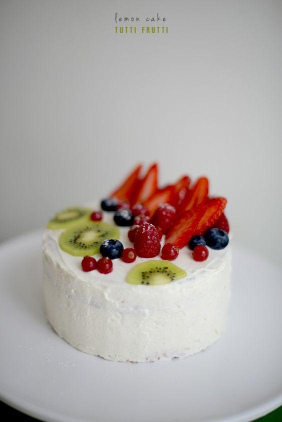 Birthday #2 // Lemon cake – tutti frutti