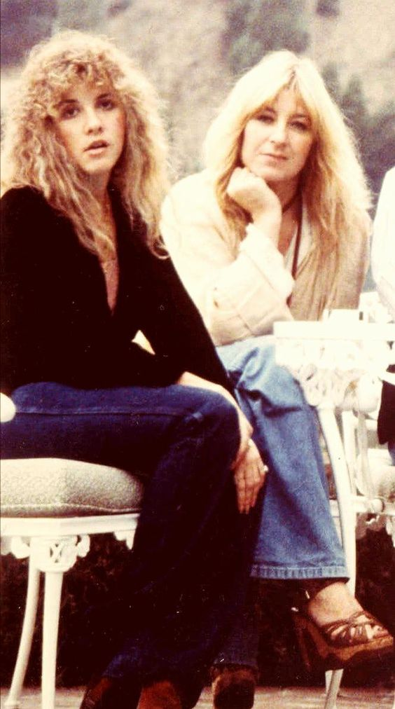 """""""Stevie and I are two very different women, but somehow we jell. She is kinda like the sister that I never had."""" - Christine McVie: Fleetwoodmac Christinemcvie, Christine Mcvie, Rock Bands, Fleetwood Mac, Nicks Fleetwood, Christinemcvie Stevienicks, Rare Photo, Stevie Nicks, Nicks Christine"""