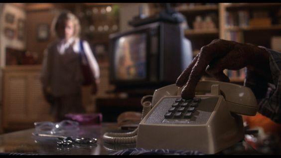 【ET】電話をかけたがるET
