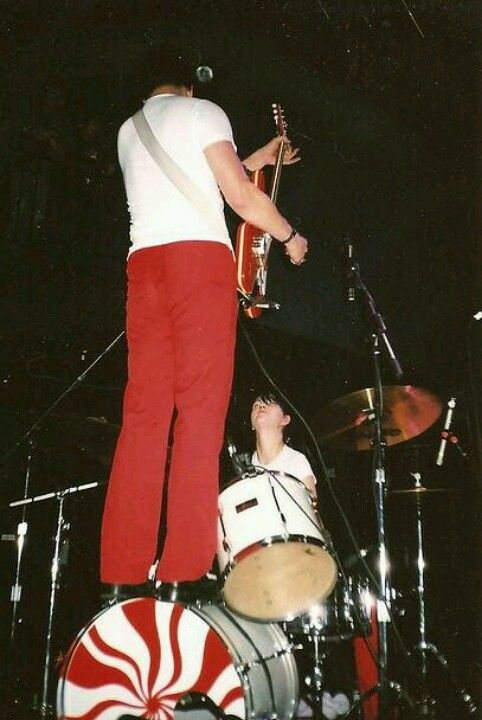 The White Stripes. Garage band roots.