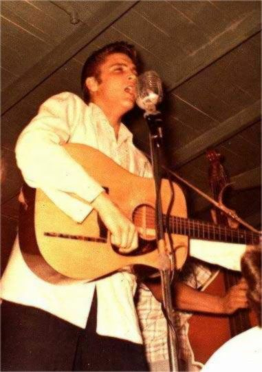 Elvis on stage in Houston ( Texas ) in april 2, 1955
