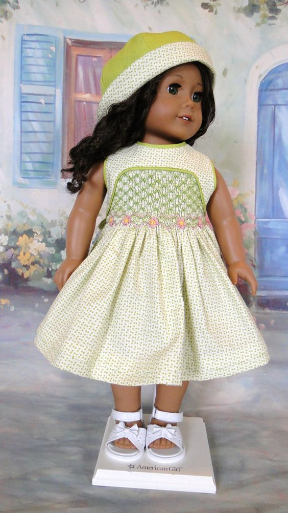 Summer smocked dress with hat  This little dress is just right for the upcoming warmer summer months. The fabric is sweet print from Moda,