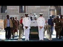 La dépouille de Mandela de nouveau exposée à Prétoria... ...More Video at http://magzvid.com/les-videos/ .... Encore + de Vidéo: http://magzvid.com/les-videos/