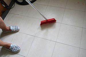 WikiHow - cleaning vinyl floors