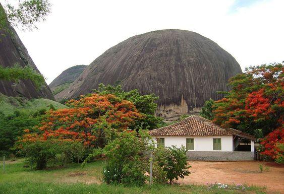 Pedra Do Caladão – Carlos Chagas – MG—- UMA BELEZA DE LUGAR: