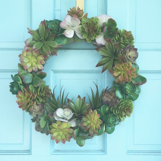Tutorial  // Affordable and pretty DIY faux succulent wreath using supplies from the Dollar Tree!