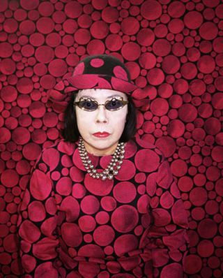 Yayoi Kusama and her polka dot madness.   One of my new fav artists!