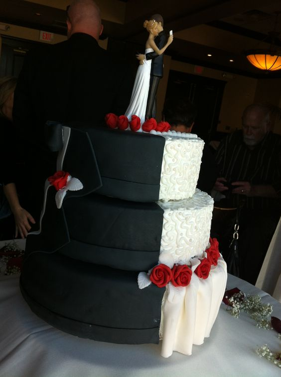 half wedding cake half grooms cake wedding dresses and groom tux on 15054