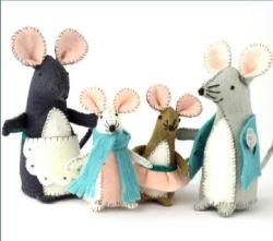 Corinne Lapierre kit - Mouse Family - makes 4 NEW