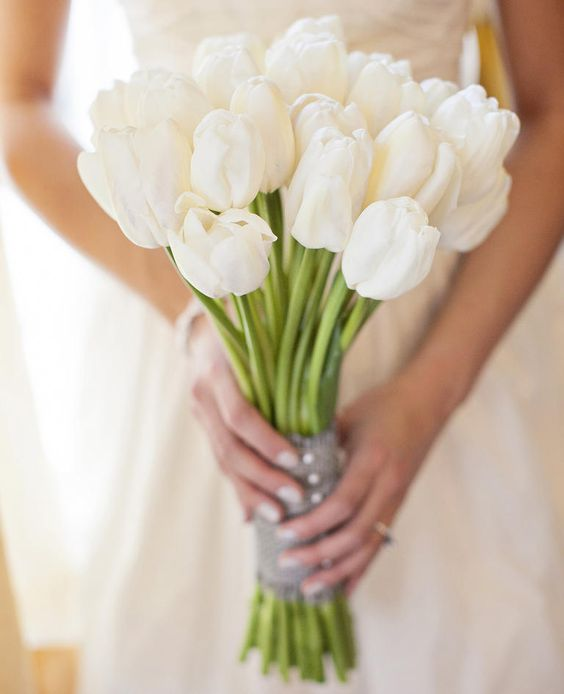 Symbolic Meanings of Wedding Flowers  | Photo by:  Amanda Lloyd Photography | TheKnot.com: