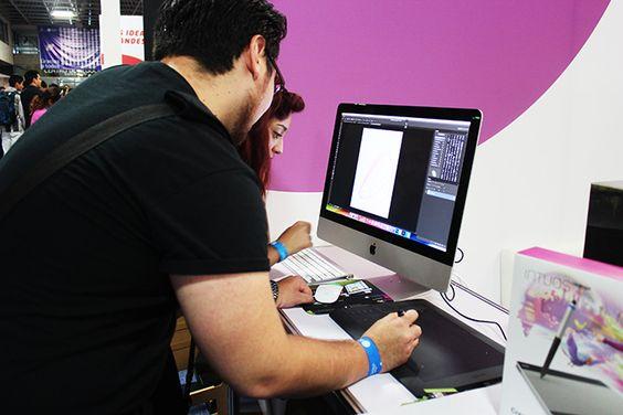 Presentan herramientas tecnológicas para creativos en Guadalajara