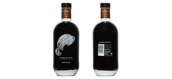 Ratafia de l'avia on Packaging of the World - Creative Package Design Gallery