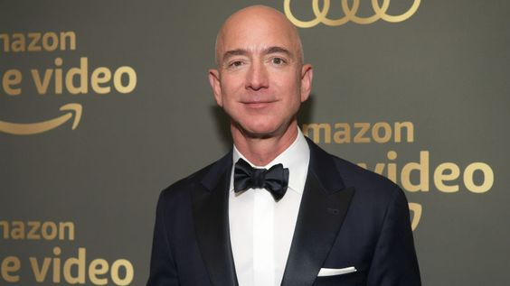 Bezos has been sending those texts to Sanchez even before he announced his divorce.