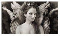 'Reina Mariposa' Encuentro fantasmático entre Nicola Costantino, Francis Bacon y Joel Peter Witkin.  2011.