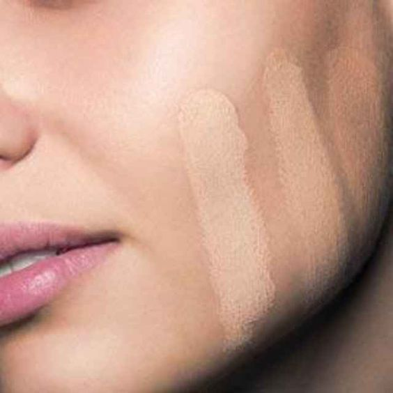Are you laying on your foundation correctly? http://beautyeditor.ca/2010/11/22/no-offense-but-youre-probably-making-one-of-these-7-mistakes-with-your-foundation: