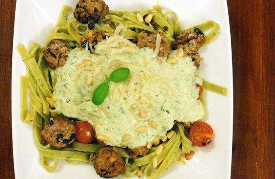 Gewoon wat een studentje 's avonds eet: Pasta: Verse tagliatelle met ricotta-gehaktballetjes en courgette-roomsaus