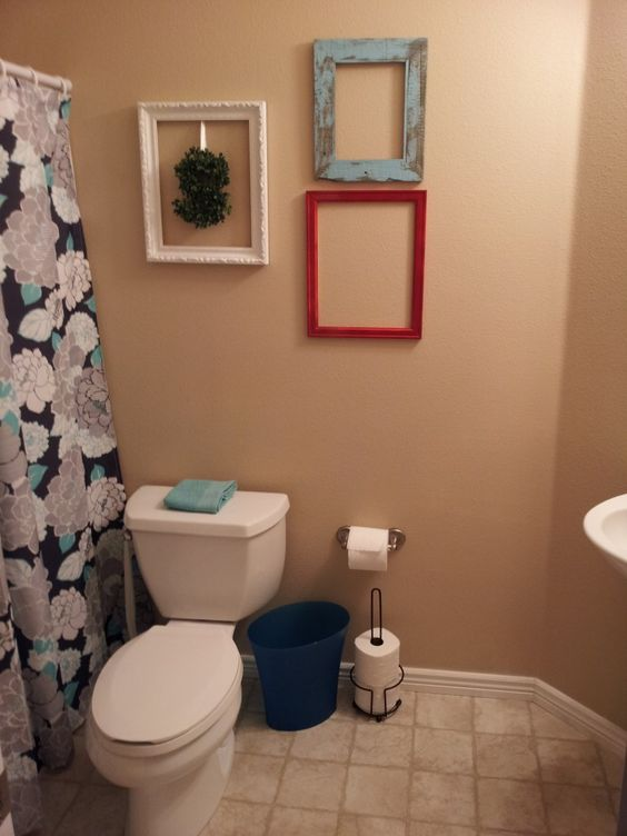 Teal frame for black and white photo bath ideas for Black and teal bathroom ideas
