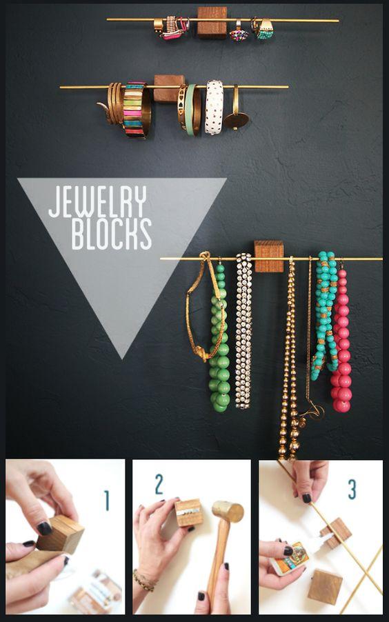 DIY Hanging Jewellery Blocks - http://diyideas4home.com/2014/01/diy-hanging-jewellery-blocks/
