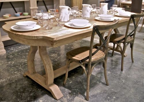 I Want This Tabel Provence Distressed Wood Dining Table