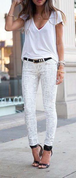 #street #style casual / white + snake print @wachabuy