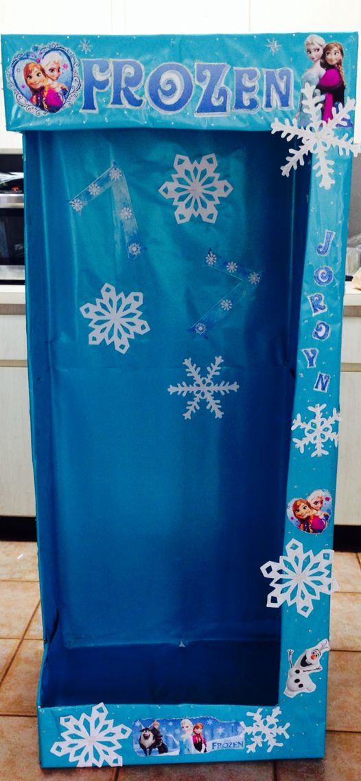 Frozen photo booth~Don't forget snowflake personalized napkins in frozen colors to match! #frozen #birthday www.napkinspersonalized.com
