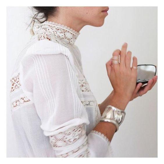 La parfaite chemise en dentelle ( inspi @leandramedine )