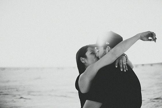Ein cooles Verlobungsshooting in der Wüste | Friedatheres