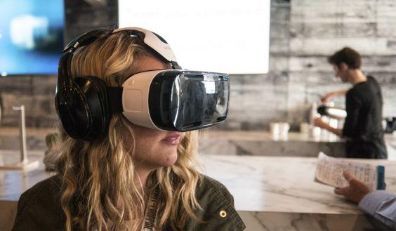 La realidad virtual ha llegado para quedarse, y en el mercado de aplicaciones ya cuentas con un montón de aplicaciones interesantes para disfrutar de esta tecnología a la hora de jugar, ver cine o descubrir interesantes lugares.