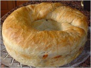 il casatiello è la torta rustica tipica di pasqua della cucina ... - Cucina Napoletana Ricette