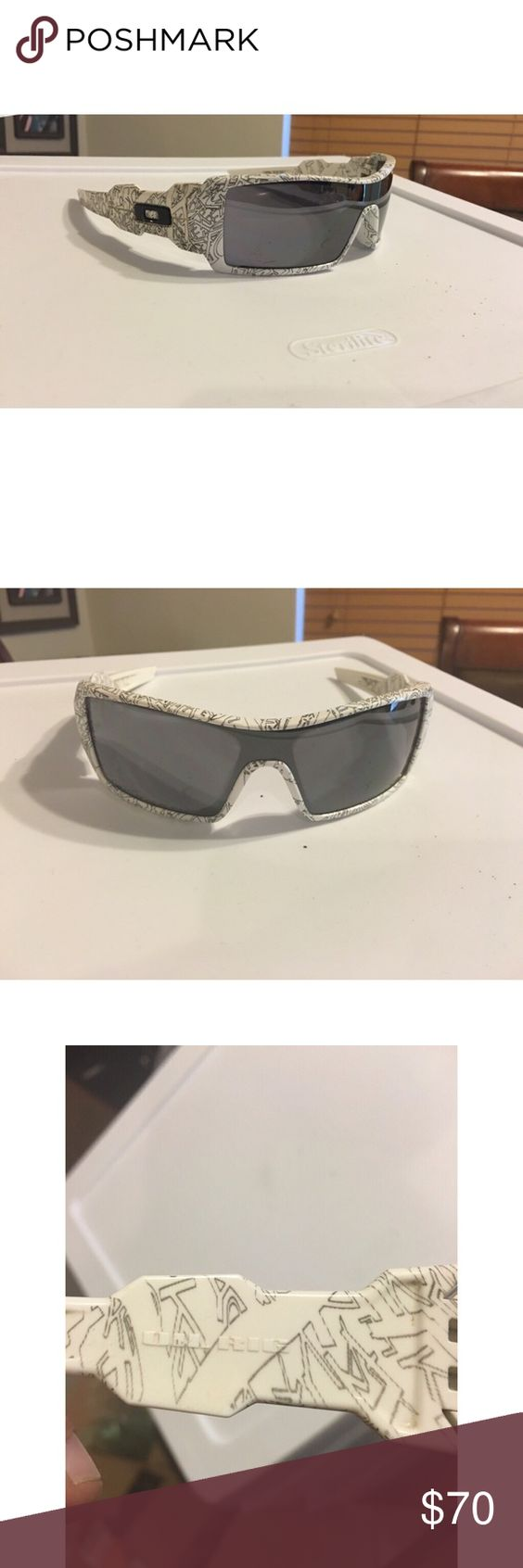 oakley oil rig sunglasses accessories  ??oakley oil rig sunglasses? white & black oakley oil rig sunglasses, used