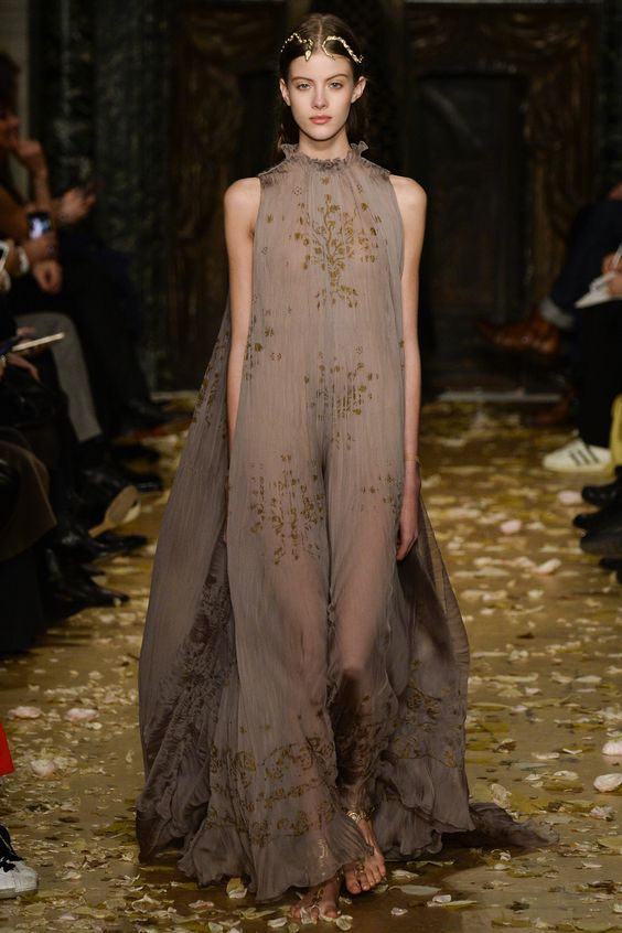 Valentino Spring 2016 Couture Collection Photos - Vogue: