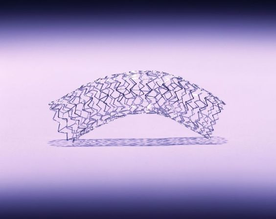 When is it OK to use bare metal stents instead of drug eluting stents?