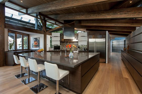 Christopher Kennedy designed kitchen in Lake Okanaga, British Columbia Modern Kitchen Wood ceiling Modern interior design #silestonetrends