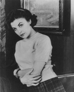 Das IST Rosina!!!! ... Kennst Du Twin Peaks? Audrey Horne heißt die Figur und passt exzellent auf unsere Rosina!