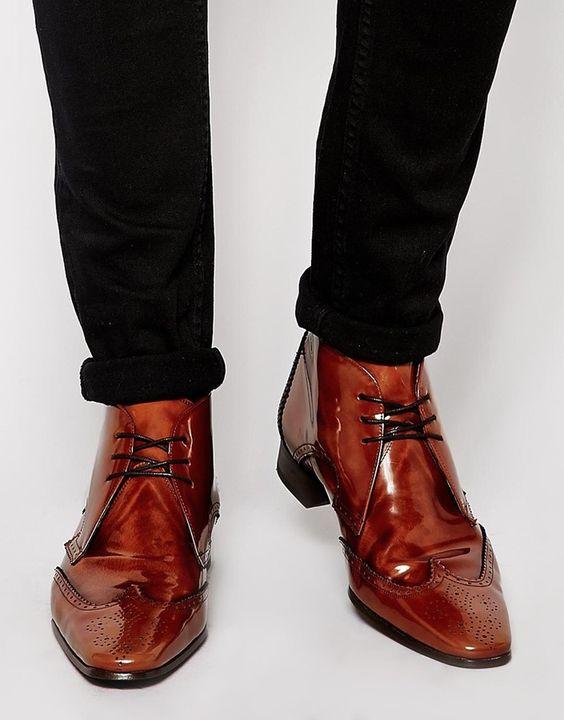 €244, Braune Brogue Stiefel aus Leder von Jeffery West. Online-Shop: Asos. Klicken Sie hier für mehr Informationen: https://lookastic.com/men/shop_items/151008/redirect