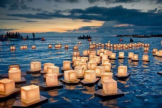 Lanternes flottantes à Honolulu