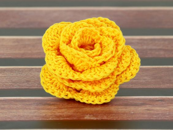 Crochet Yellow Flower Pattern : Yarns, Crochet and Roses on Pinterest