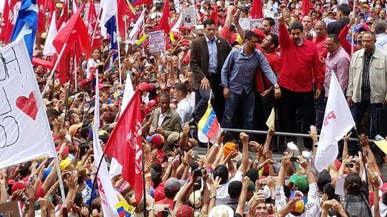 @vencedor_ribas : RT @delpinoeulogio: Revolucionarios estamos unidos en un sólo mensaje y es la Paz de la Patria. #LaPatriaTriunfaEnPaz https://t.co/yrOOaAF5qD