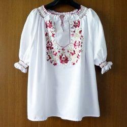 ハンガリー 刺繍ブラウス