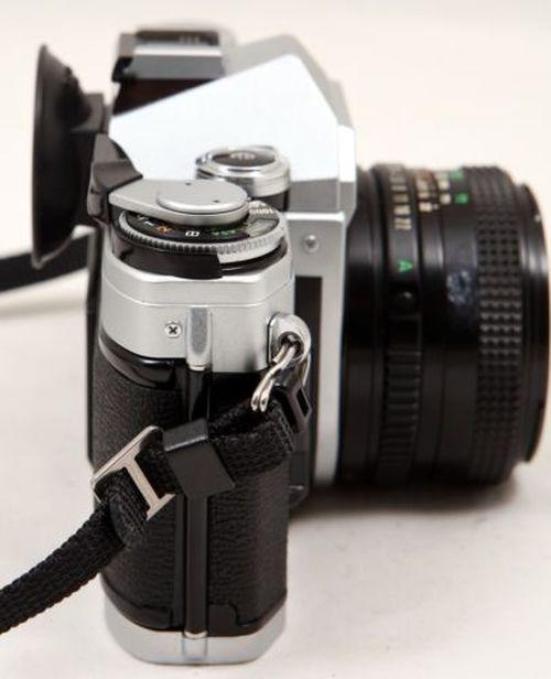 Canon Ae 1 35mm Film Camera Slr Manual Focus W Fd 50mm Lens In 2020 Slr Camera Manual Focus Reflex Camera